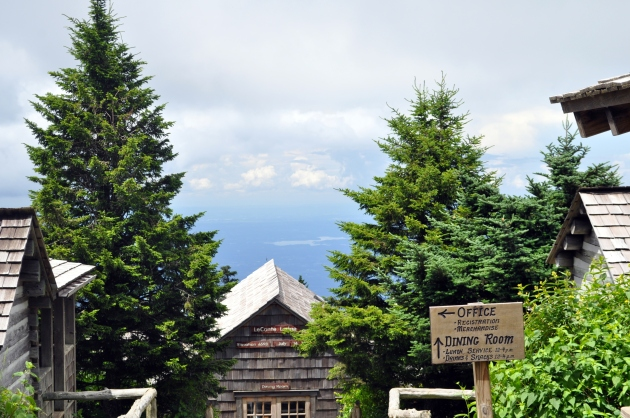 top of mt leconte, leconte lodge